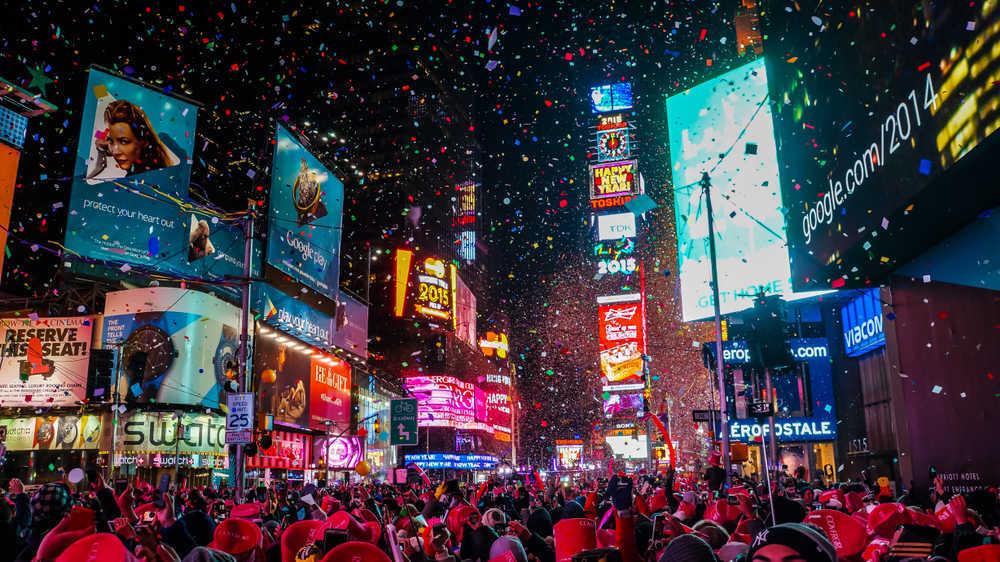 Neones y pantallas led en pleno apogeo publicitario